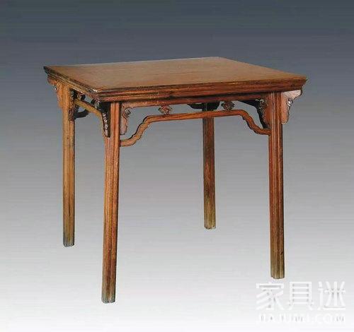 5黄花梨一腿三牙罗锅枨加卡子花方桌