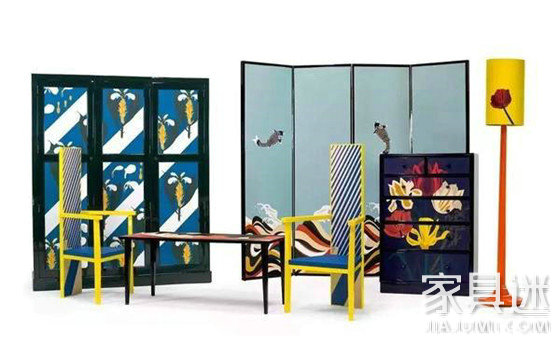 黄蓝撞色高背椅和鲤鱼屏风