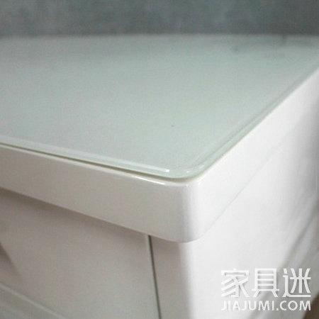 玻璃家具细节